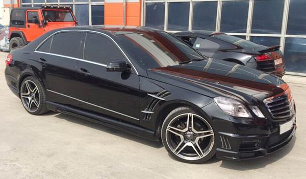 2010 Mercedes E Class with our WDB Body Kit.